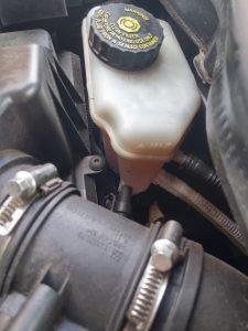 brake reservoir 2